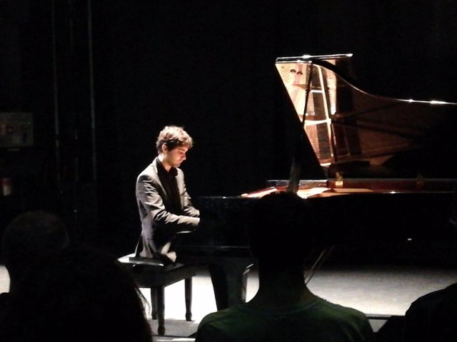 El pianista Magí Garcias gana el Art Jove de Música para Jóvenes Intérpretes Solistas