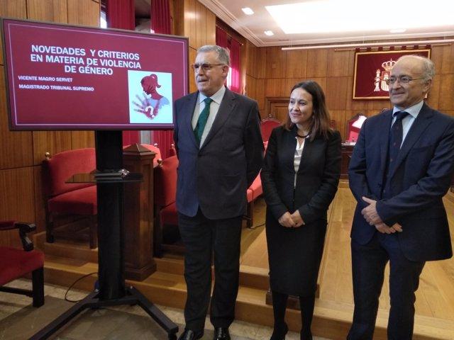 Ignacio Vidau, María Martín y Vicente Magro Servet.