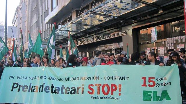 Manifestación de camareras de piso en huelga en Bilbao