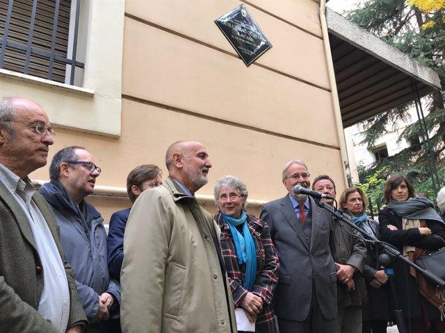 Placa conmemorativa Guillermo Quintana en Moncloa