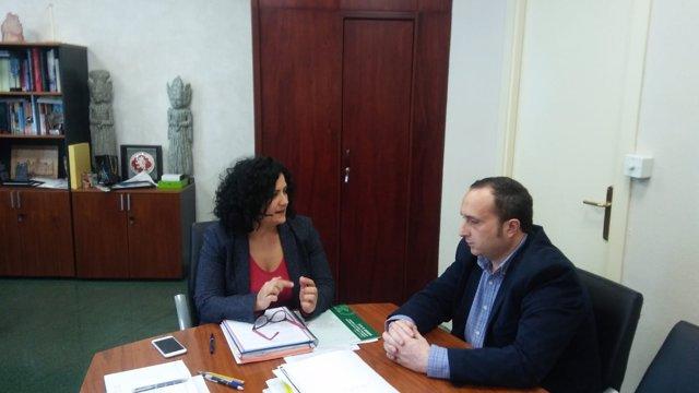 Reunión entre María Paz del Moral y José Ayala.
