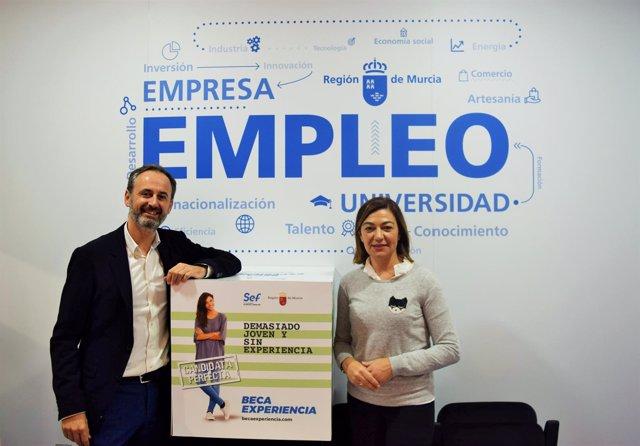 Javier Celdrán, junto a la directora del SEF, Severa González