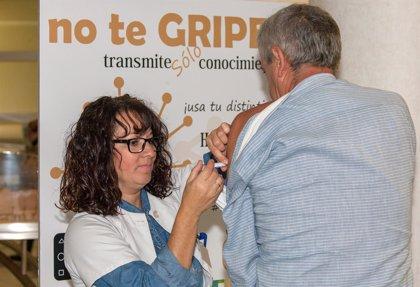 Un estudio del Virgen del Rocío de Sevilla demuestra que son seguras dos dosis de vacuna de la gripe en trasplantados