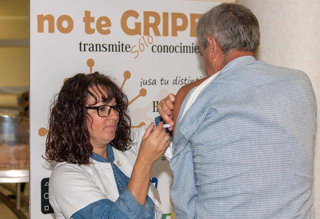 Dos vacunas de la gripe en trasplantados son seguras, según un estudio