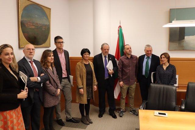 Reunión entre Gobierno Vasco y EH Bildu
