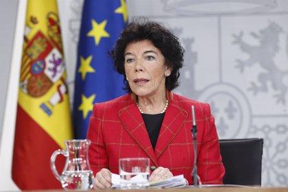 """Celaá dice que Calviño está en """"perfectas condiciones"""" de continuar y ve """"intacta"""" la imagen del Gobierno"""