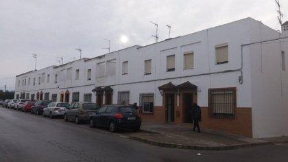 Junta licita las obras para mejorar energéticamente las diez viviendas públicas de Alfonso X El Sabio en Arcos (Cádiz)
