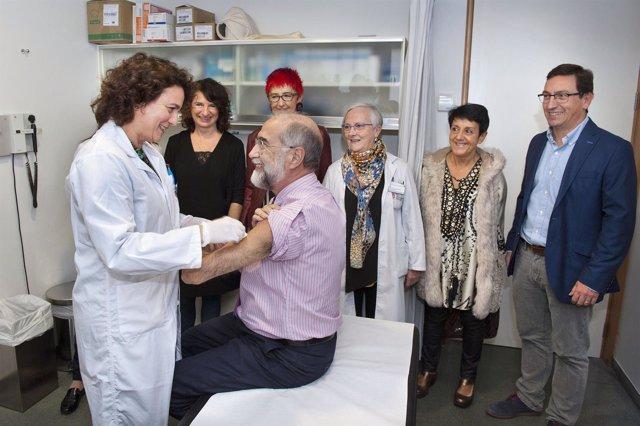 Domínguez Se Ha Vacunado Frente A La Gripe En El C. S De San Juan.