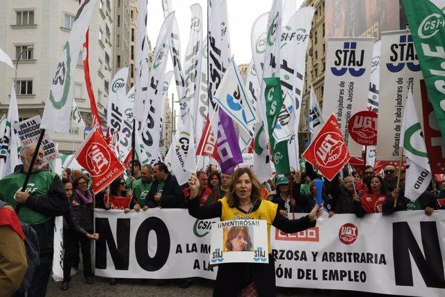 Manifestación de funcionarios de Justicia en Madrid en contra de la reforma de l