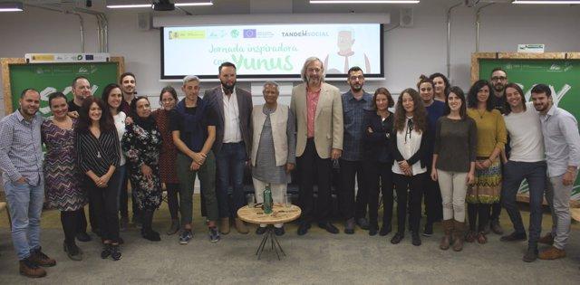 El Premio Nobel Muhammad Yunus da formación en emprendimiento verde