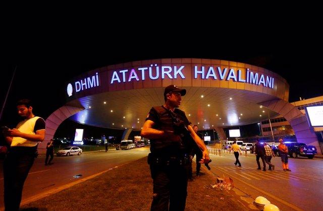 El aeropuerto Ataturk de Estambul, tras el atentado