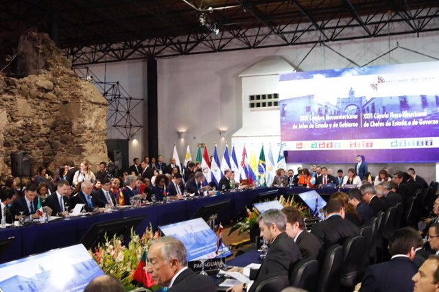 El Rey Felipe VI en el plenario de la XXVI Cumbre Iberoamericana de Jefes de Est