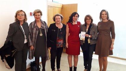 """Ana Cobo conmemora el aniversario de Ainper en Linares (Jaén) y destaca que su colaboración ha sido """"mutua y total"""""""