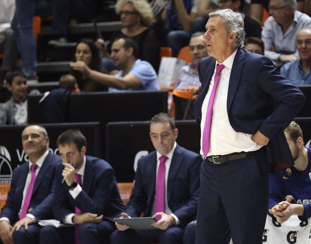 El entrenador del Barça Lassa, Svetislav Pesic