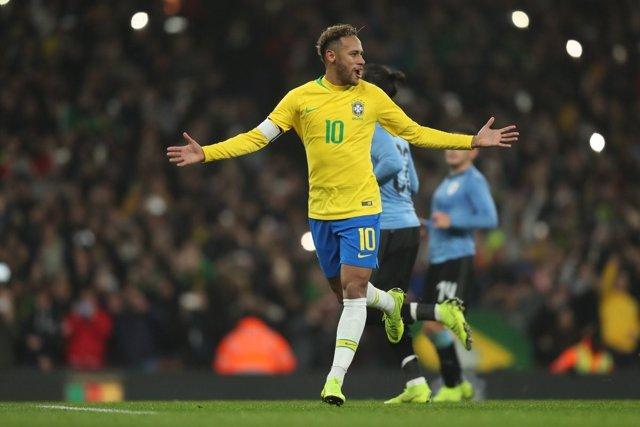 Neymar Jr., en un partido con la selección de Brasil