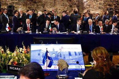 Los líderes iberoamericanos se comprometen a elaborar políticas para una migración segura