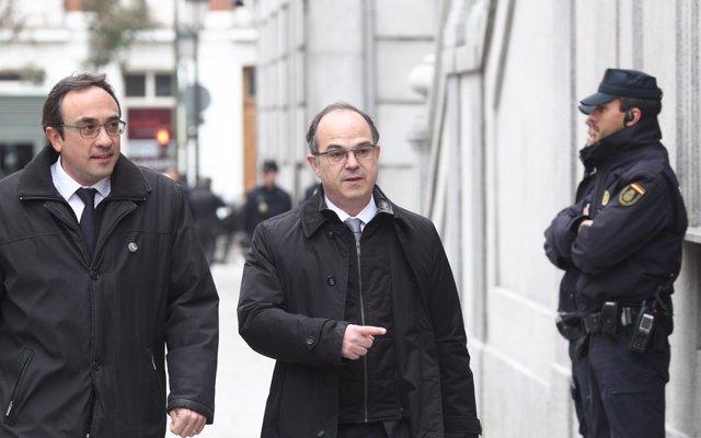 Jordi Turull critica que el PSOE actúa 'muy acomplejado' por la derecha con Catalunya