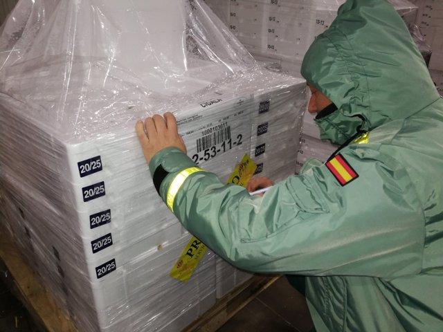 La Guardia Civil interviene 153 toneladas de cigala en empresas de A Coruña