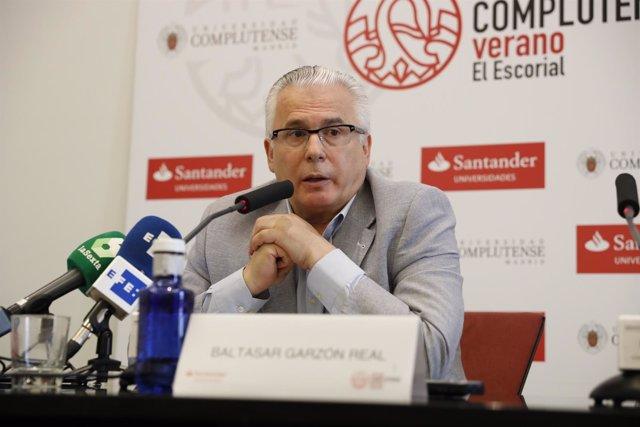 Baltasar Garzón apoya a Carmena y no descarta que Actúa se integre en su plataforma