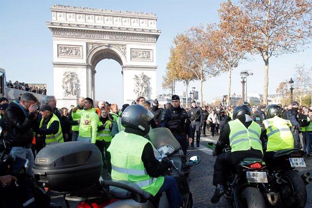 Manifestación París contra subida del combustible
