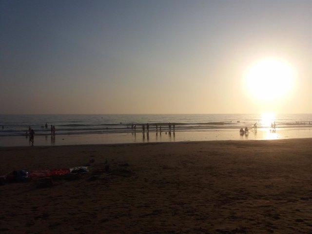 Puesta de sol en la Playa de El Palmar (Cádiz)
