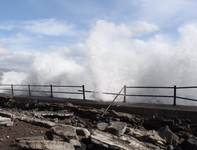 Aviso amarillo por fenómenos costeros en La Gomera, Tenerife y Gran Canaria
