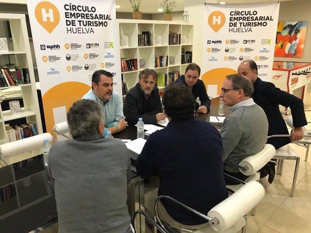 Socalistas en una reunión con empresarios de Huelva