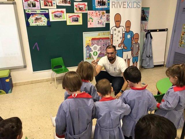 Valladolid.- Formación de Rivekids en seguridad vial a escolares
