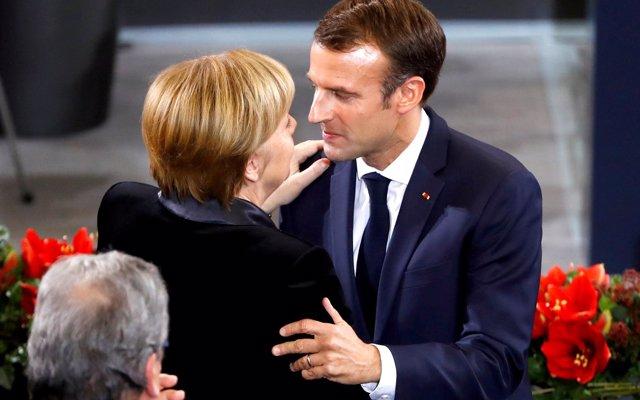 Macron y Merkel llaman  a 'romper los tabúes' a la hora de plantear su gran reforma de la UE