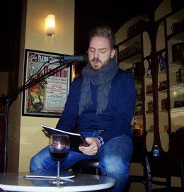 El poeta Álvaro Bellido
