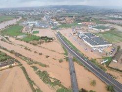 Evacuen una vintena de veïns d'un carrer inundat prop Figueres per la crescuda del riu Manol (ACN)