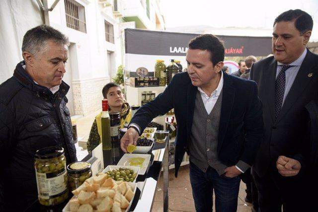 Javier A. García, junto a Francisco Alonso, en el Día del Aceite de Canjáyar.