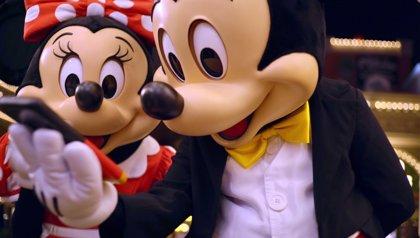 VÍDEO: Rafa Nadal, Neymar, Salma Hayek, Griezmann y más estrellas felicitan a Mickey por su 90 cumpleaños