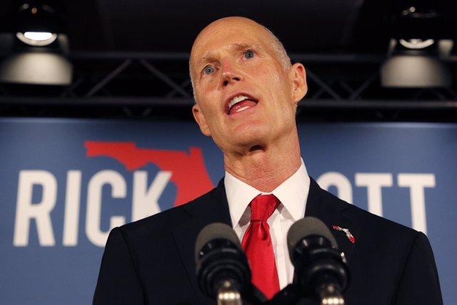 El senador por Florida Rick Scott en Naples, Florida