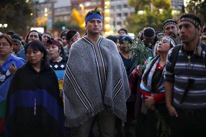 Manifestantes chilenos protestan por la muerte del joven mapuche Camilo Catrillanca durante una operación policial
