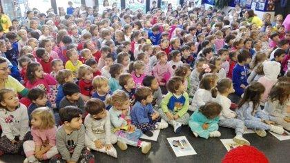 Al cole en pijama para concienciar sobre la acogida en familias de 14.000 niños