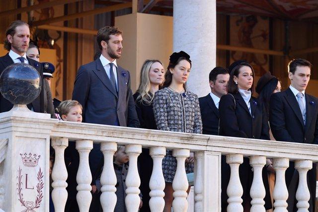 La familia Grimaldi en la fiesta nacional de Mónaco