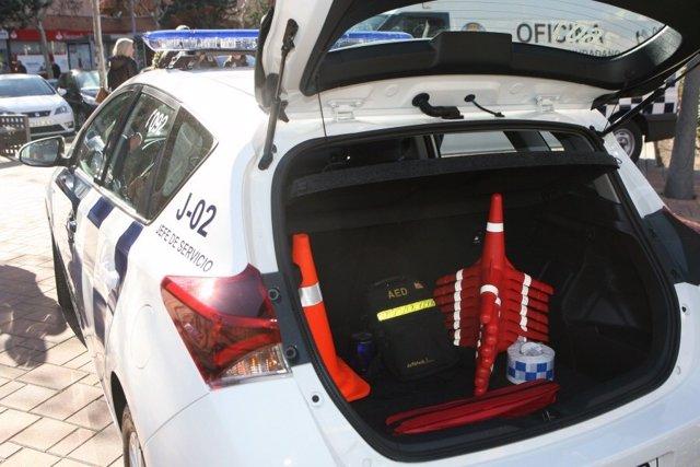 A Policía de Tres Cantos salva la vida de un hombre con un desfibrilador