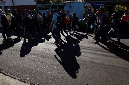 Al menos 150 salvadoreños salen en una nueva caravana rumbo a Estados Unidos
