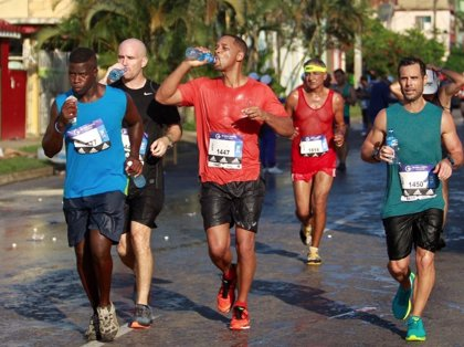 Will Smith corre la media maratón en La Habana