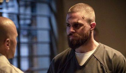 Arrow revela en un flashforward que uno de sus superhéroes es ahora un temible villano