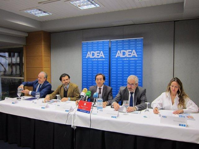 Arenere y la junta directiva de ADEA han presentado a finalistas de los premios