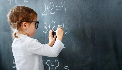 La Fundación ALAIN AFFLELOU entrega unas 9.000 gafas graduadas a niños con problemas de visión