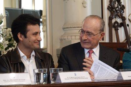 El escritor peruano Martín Rodríguez-Gaona gana con su obra 'La lira de las masas' el Premio Málaga de Ensayo