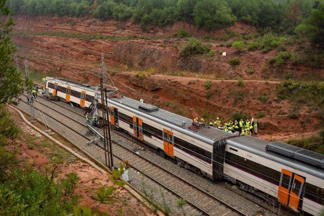 Descarrilamiento de un tren por un desprendimiento en Vacarisses (Barcelona)