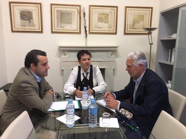 Representantes de FSIE se reúnen con el socialista Francisco Menacho