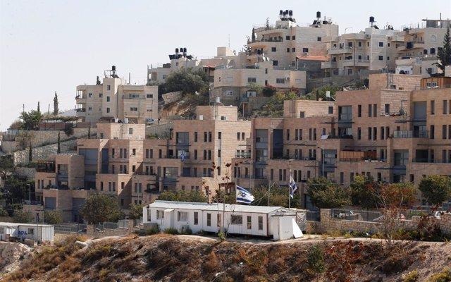 Israel tilda de 'racista' decisión de Airbnb de retirar de su página los alojamientos en los asentamientos