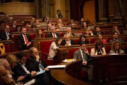 El Parlament debatirá este miércoles dos leyes sobre la neutralidad del espacio público