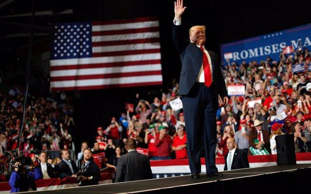 Trump califica de 'gran paso' la elección de un escritor para presentar la Cena de Corresponsales de la Casa Blanca