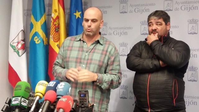JOSÉ RAMÓN GARCÍA, CONCEJAL PSOE, Y AMABLE POLADURA (FEDERACIÓN DE BOLOS)